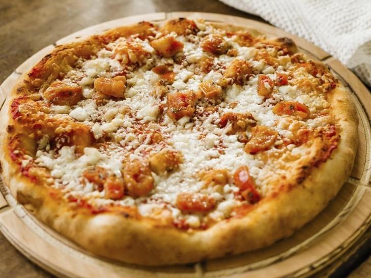 Pizza Suprema bufala e pomodorini